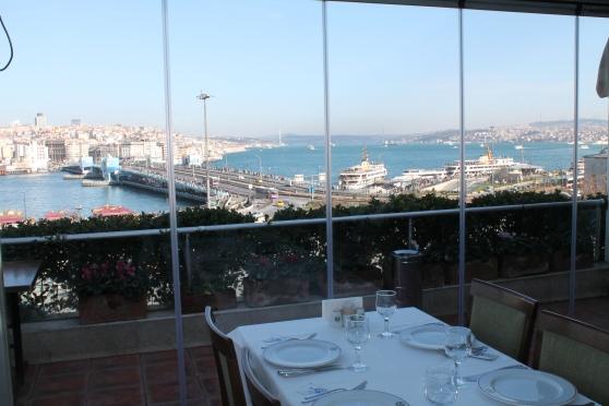Restaurante Hamdi con vista hacia el Puente Gálata